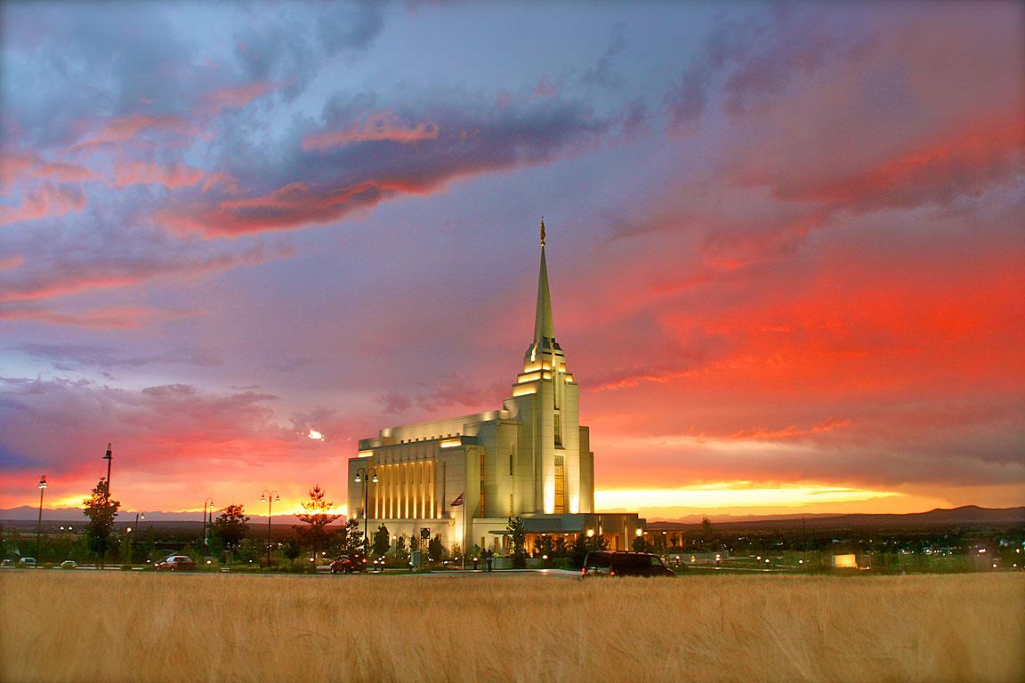 The Rexburg, Idaho temple at Sunset